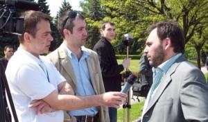 Doru Dendiu si moldovenii pro europeni la cutite