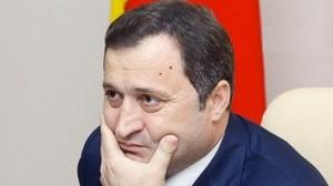 Cine-i pune bete'n roate lui Vlad Filat ?
