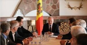 Vlad Plahotniuc insista sa fie numit premier