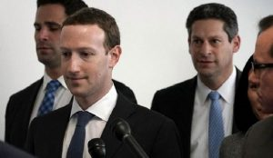 Mark Zuckerberg si-a cerut scuze utilizatorilor FaceBook