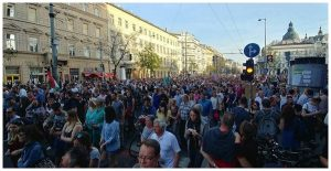 Proteste de amploare impotriva lui Victor Orban